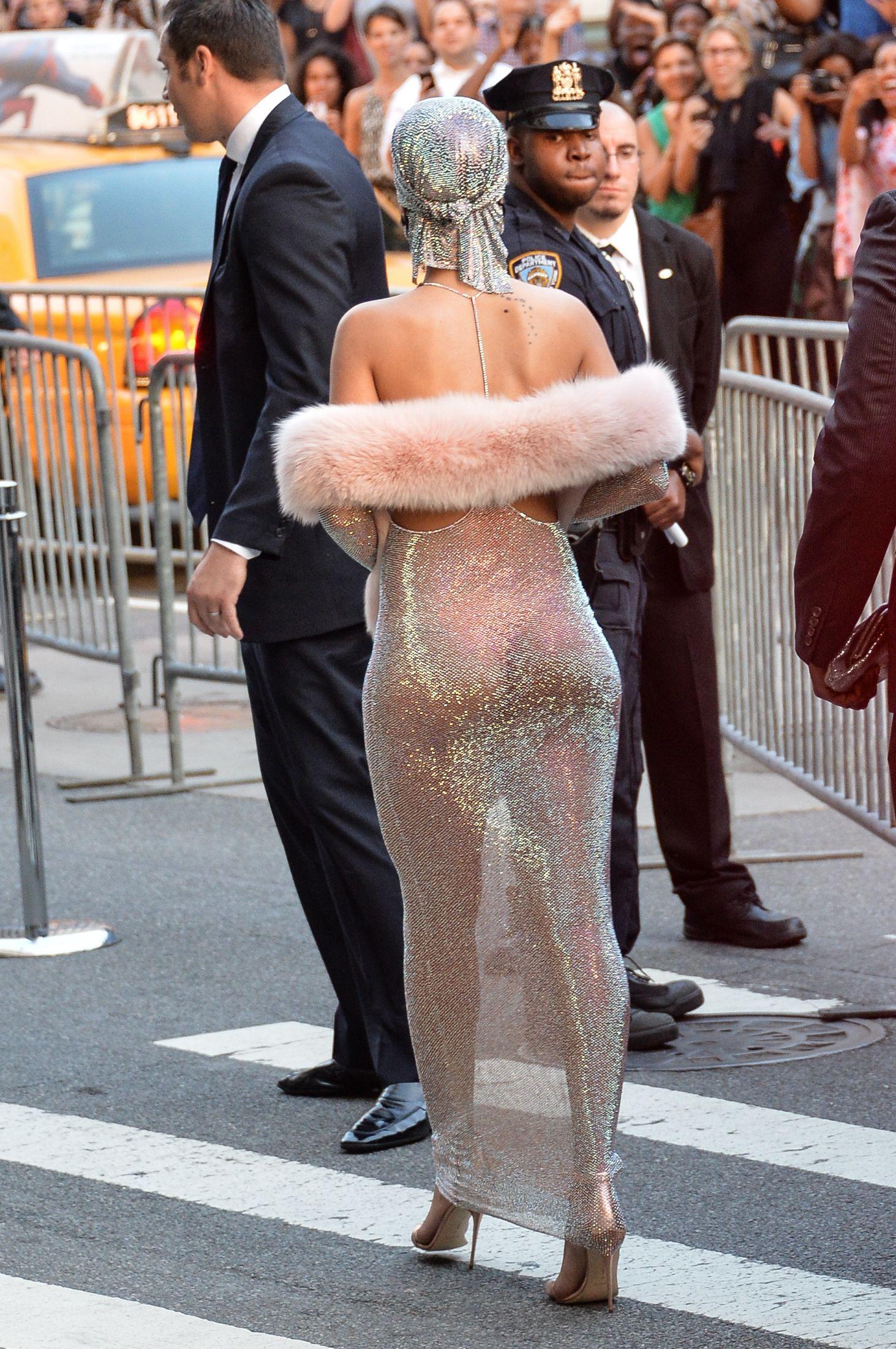 Rihanna-2014-CFDA-Fashion-Awards